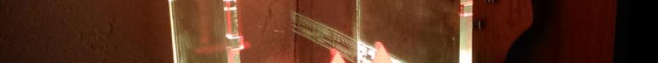 Lichtobjekt Cajon, hergestellt aus Plexiglas XT im Maßstab 1:2